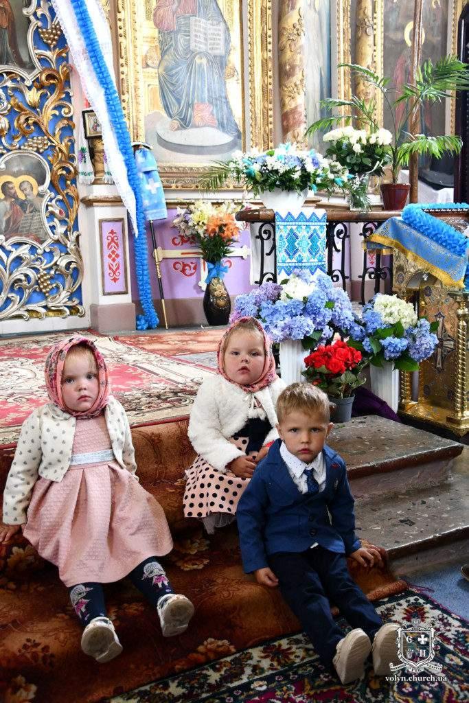 Божественна літургія у древньому ротондовому храмі с. Озденіж архиєрейським чином. ФОТО